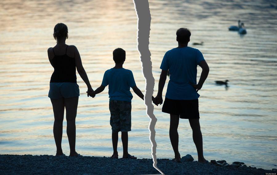 С кем останутся дети при разводе родителей