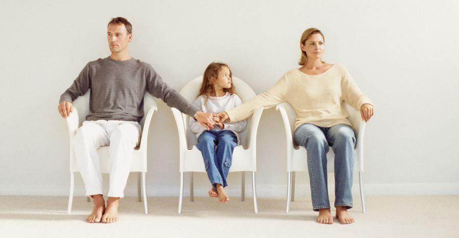 С кем остаются дети после развода родителей?